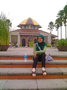 depan Masjid UGM