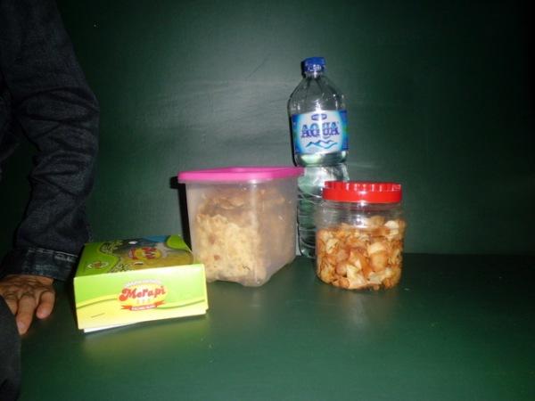 Makanan di perjalanan