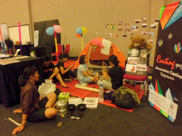 Booth Canting